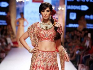 Suneet-Varma-show-at-Lakme-India-Fashion-Week-2015