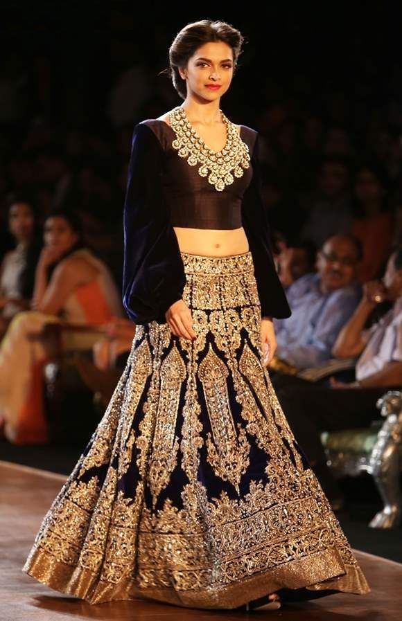 1-celebrity-wear-too-much-fancy-designer-lehenga-choli