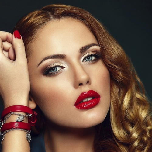 full-lips-woman-wearing-red-lipstick