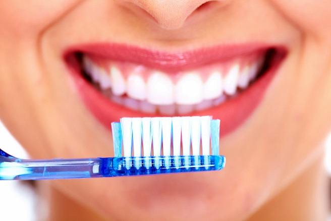 how-long-should-you-brush-your-teeth1